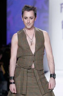 Alan Cumming in kilt