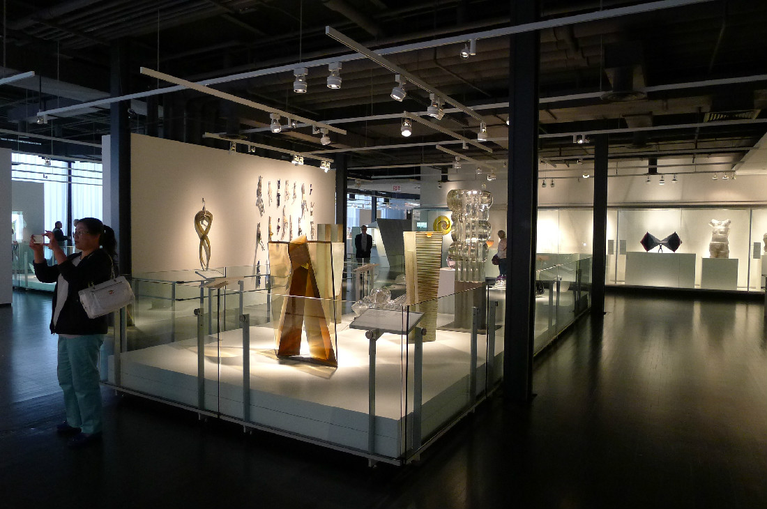 Contemporary Glass Gallery