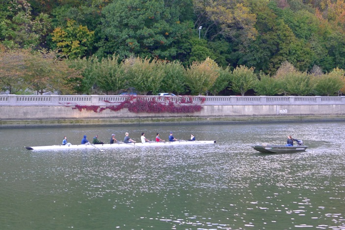 Kids Rowing on Harlem River